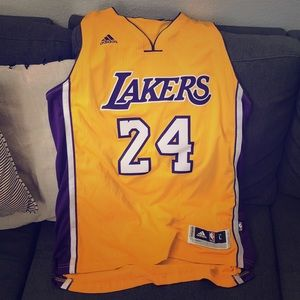 Large Kob Bryant Jersey. Only worn 3 times.
